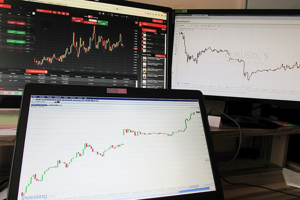 how do forex scams work